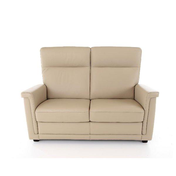 Salon in leder met hoge rug en korte zitting en relax systeem