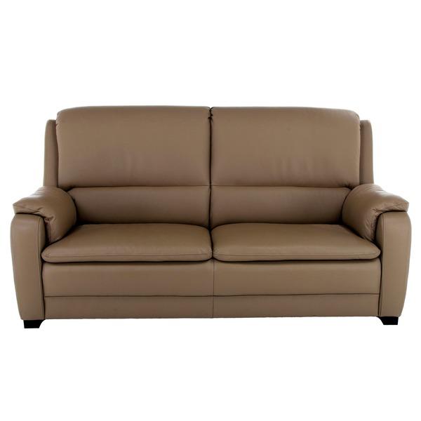 Comfortabele salon met hoge rug in klassieke stijl
