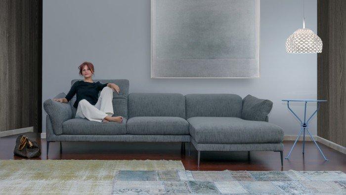 Design zetel met zachte armleuning