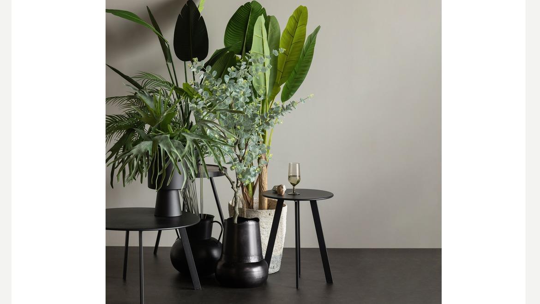zwart metalen tafeltje rond moderne stijl