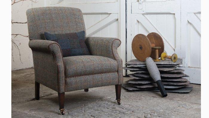 Zetel op wieltjes met gebogen armen