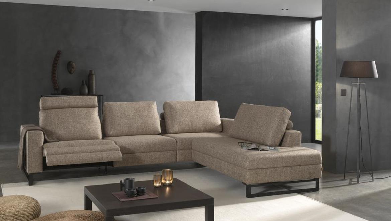 Moderne salon op sledepoot met relaxen elektrisch en hoofdsteun