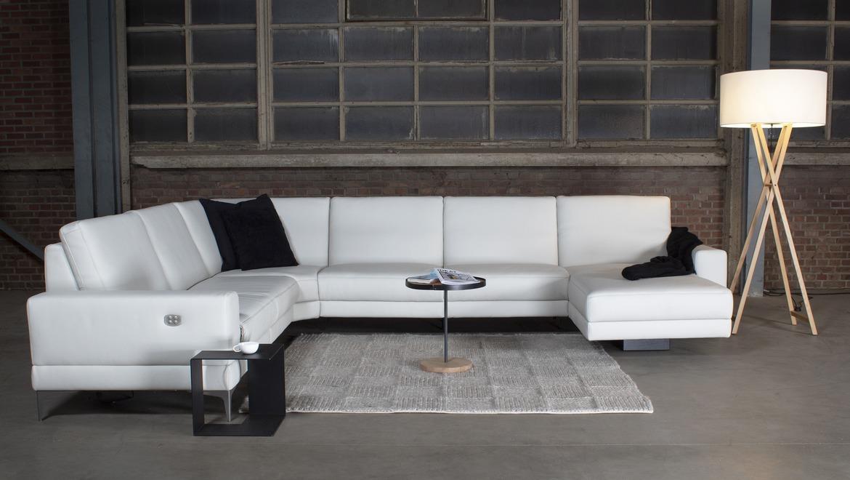 Moderne hoeksalon met relax en uitschuifbare rugleuning in stof