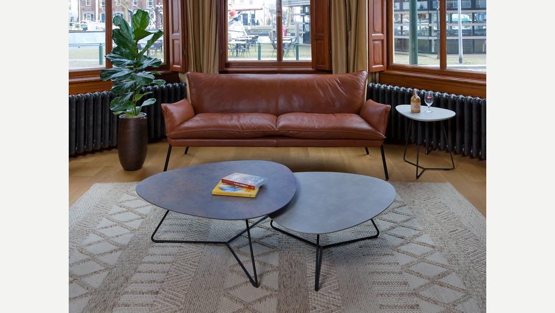Set van 2 salontafels onder elkaar in ovale vorm op zwart metalen onderstel