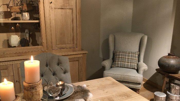 Authentieke, ambachtelijke meubels