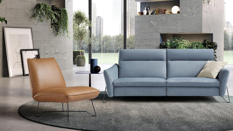 Moderne salon in stof met hoge rug en relax