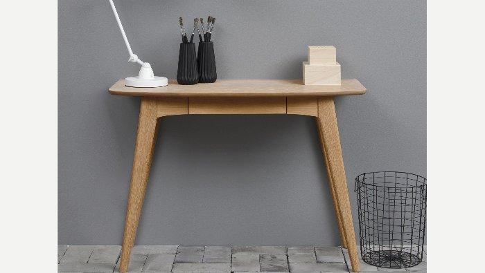 Klein bureautafel in hout