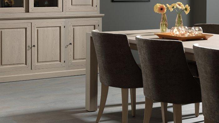 Massieve tafel met blokpoten verlengbaar klassiek landelijk