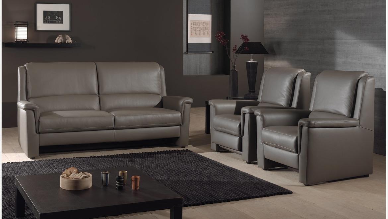 Comfortabele salon in leder met goede rugsteun en relax