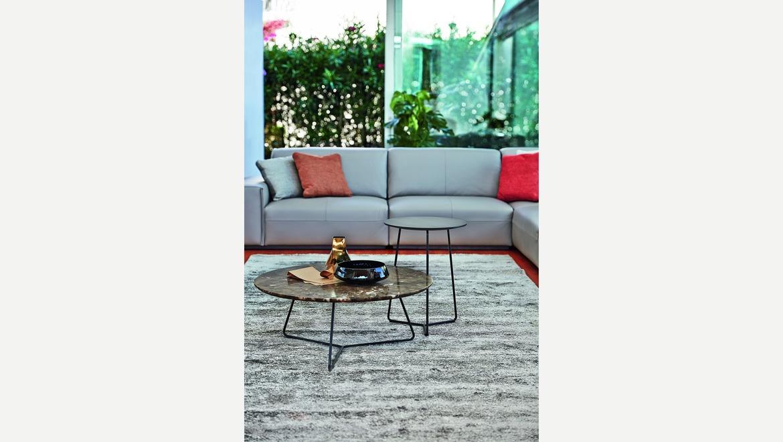 Marmeren salontafel design op metalen poten