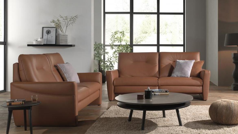Canapé in warm zacht leder bruin met elektrische relax en hoge rugleuning