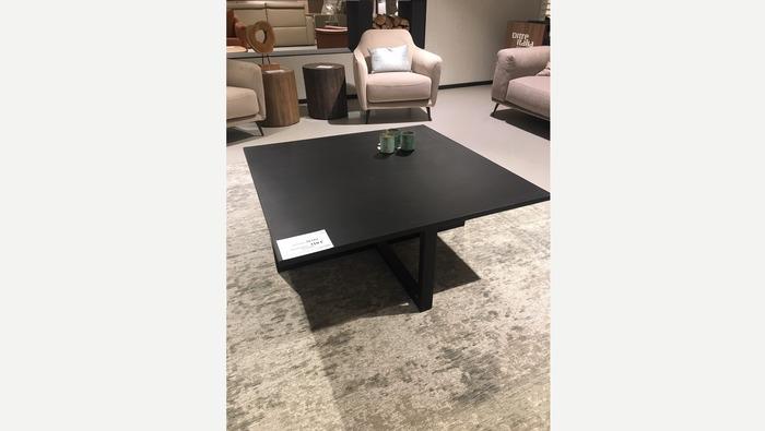 Zwarte salontafel in hout op gekruiste sledepoten