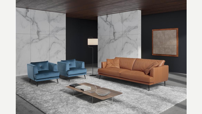 Salon in zacht cognac leder op zwarte pootjes met zacht zitcomfort Italian design