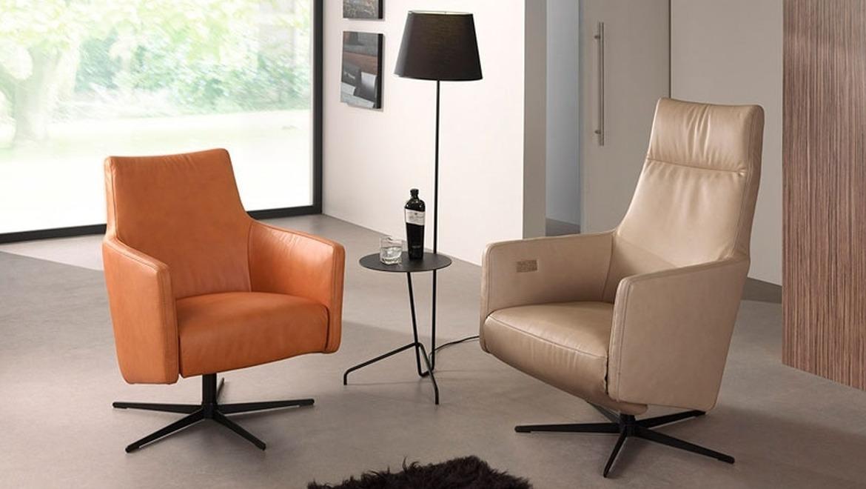 Trendy relax in oranje leder op draaivoet