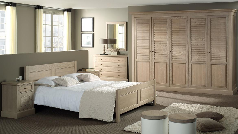 Kleerkast 5 deuren in hout met lamellen