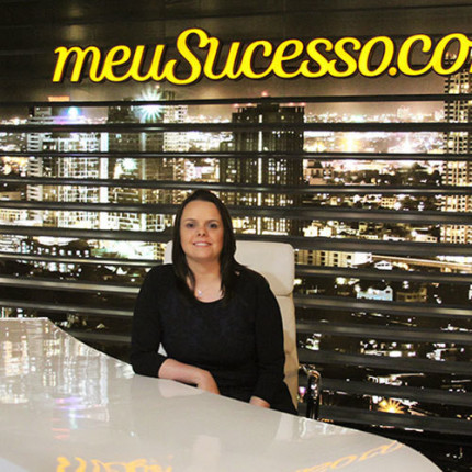 LiveClass: Como vencer empreendendo na internet? Aprenda com Camila Porto