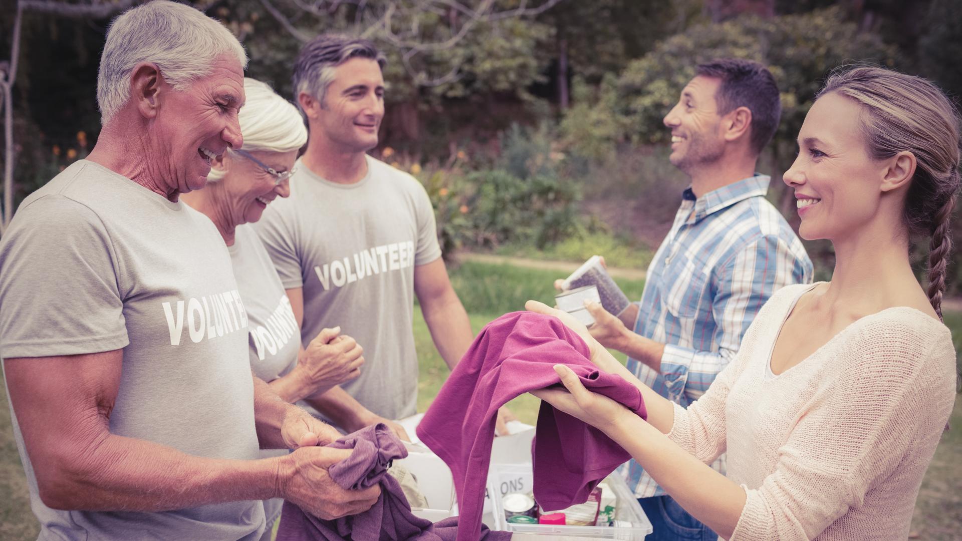 Trabalho voluntário: como essa atividade pode ajudar a turbinar sua carreira