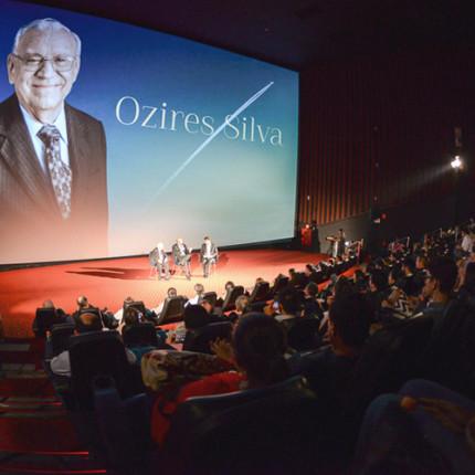 Ozires Silva e convidados prestigiaram a pré-estreia de mais um Estudo de Caso