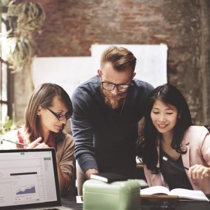 Mitos sobre colaboração. CUIDADO! – por Luciana Kimi