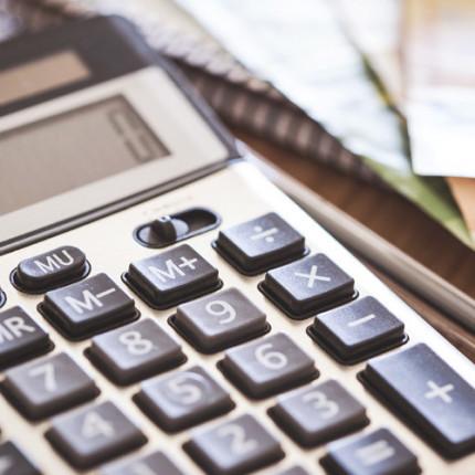 Qual é a importância da administração financeira para MPEs?