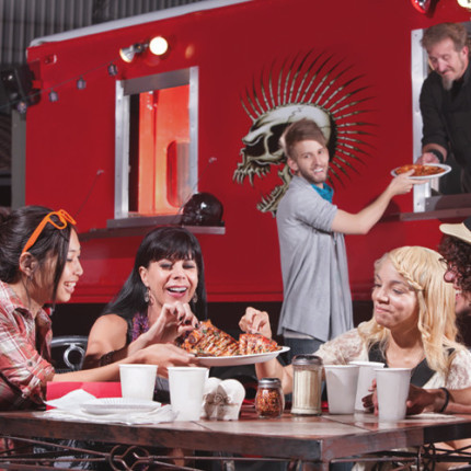 Gastronomia variada: food trucks reinventam o mercado