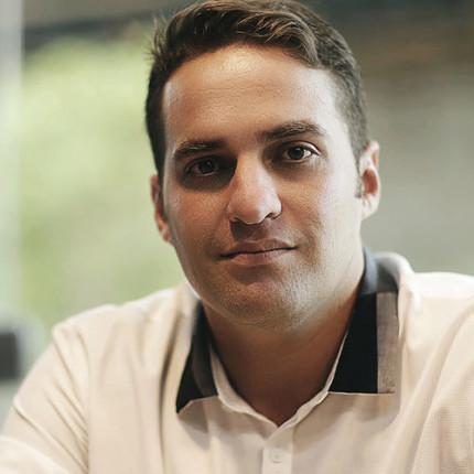 Entrevista: Aluno do meuSucesso.com tem crescimento exponencial na área odontológica