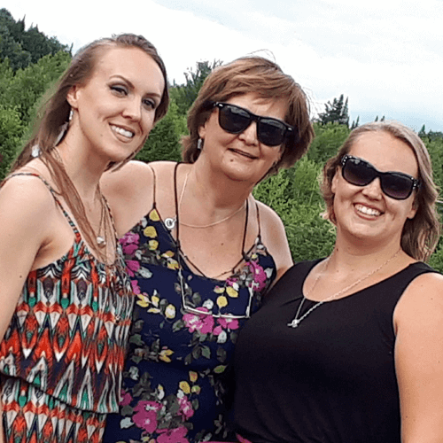 Paige Deschamps and her mother and sister