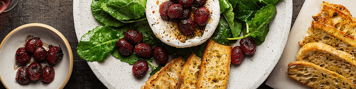Baked Brie with Thyme-Roasted Grapes appetizer kit