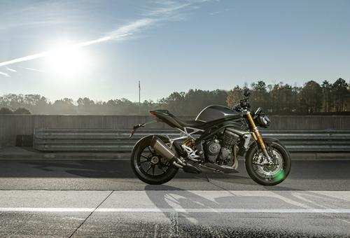 2021 Triumph Speed Triple 1200 RS | First Look Review