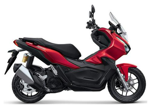 The 2021 Honda ADV150 Reviews Make It Sound Like an Awesome Scooter