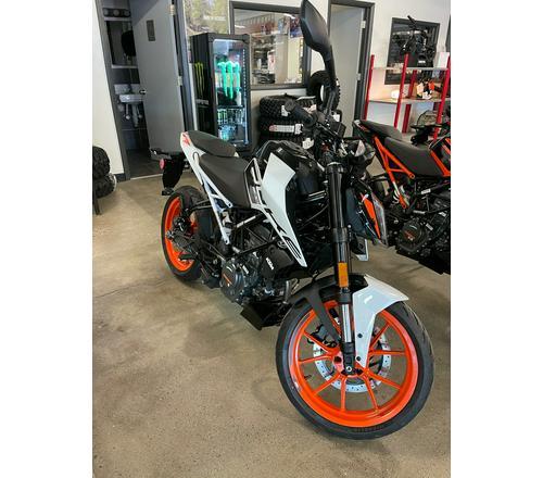 2020 KTM 200 Duke: MD First Ride (News)