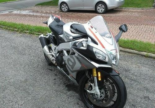 2016 Aprilia RSV4 100 RR Sportbike