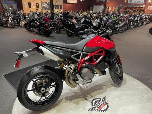 2019 Ducati Hypermotard 950 & 950 SP - first...