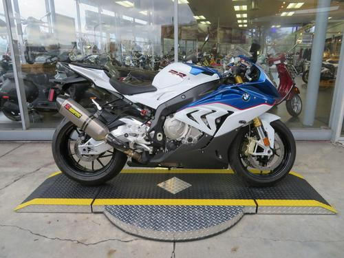 2016 BMW S 1000 RR Light White / Lupin Blue Metallic / Racing Red