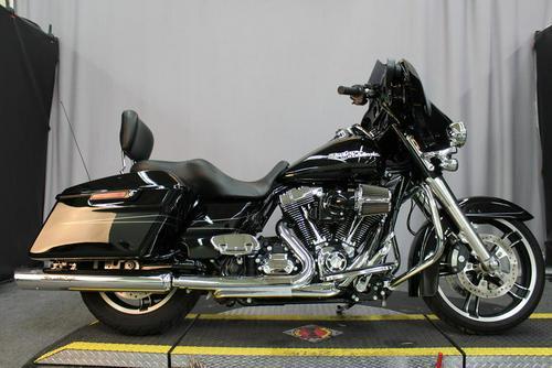 2014 Harley-Davidson® FLHXS - Street Glide® Special