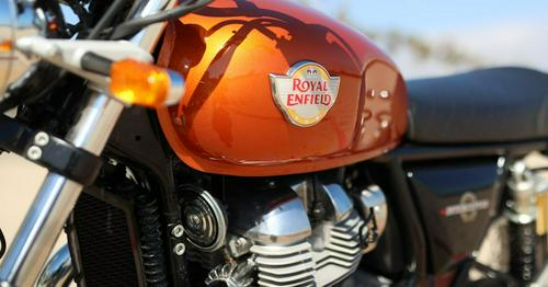 2019 Royal Enfield INT650 First Ride https://t.co/UivNiRSnWu...