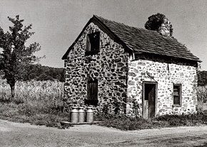 <p>Aaron Siskind, One-story Stone Cabin, Riegelsville, Springtown Road, photograph from Bucks County, Photographs of Early Architecture, text by William Morgan, Bucks County Historical Society by Horizon Press, courtesy of the Spruance Collection of the Bucks County Historical Society</p>