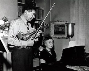 Samuel and Bella Spewack. Image courtesy of The Billy Rose Theater Collection, The New York Public Library for the Performing Arts, the Astor, Lennox and Tilden Foundation.