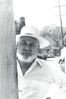 <p>Raymond Granville Barger. Photograph by Kathie Buchanan, Nancy Hellebrand Project, 1978. James A. Michener Art Museum archives.<br /></p>