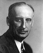Photograph of Frederick Harer by De Witt Portrait. Image courtesy of Pedersen Gallery, Lambertville, New Jersey.