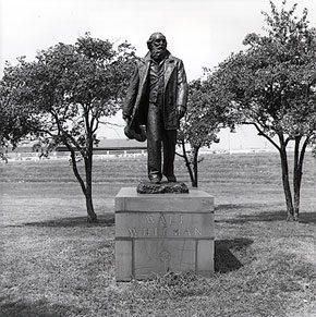 Jo Davidson (1883-1952), <em>Walt Whitman</em>, 1939. Bronze. Photographed by Howard Brunner, 1992. Image courtesy of the Fairmount Park Art Association. James A. Michener Art Museum archives.