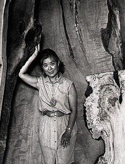 <p>Mira Nakashima, 1993. Photograph by Jack Rosen. Image courtesy of Mira Nakashima.</p>