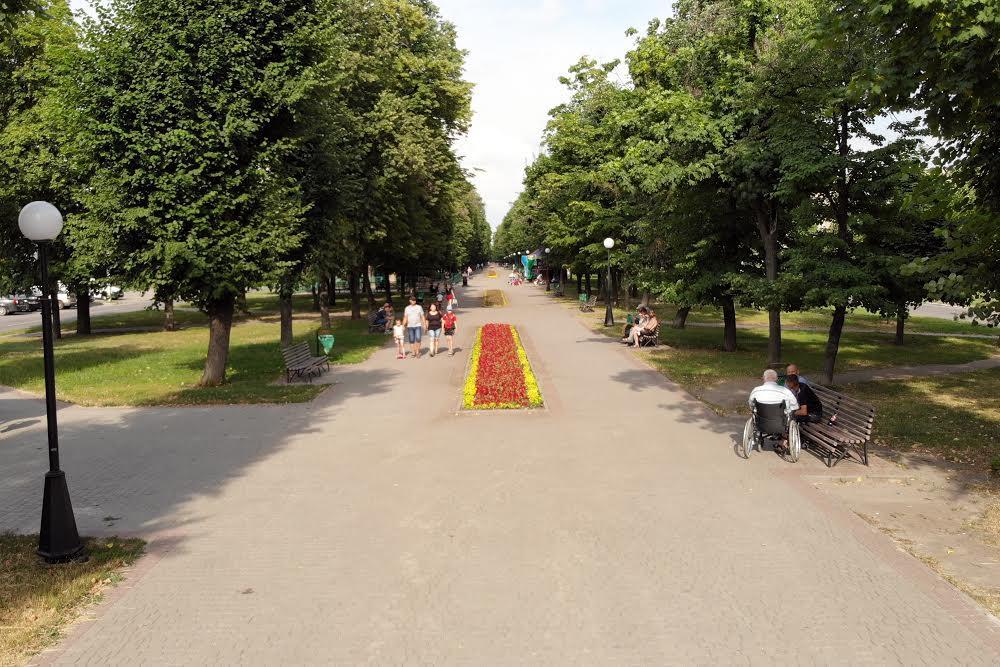 Жасминовий бульвар в Харкові