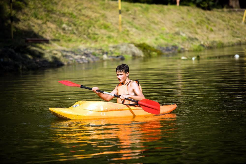 Каноэ на озере Погулянка