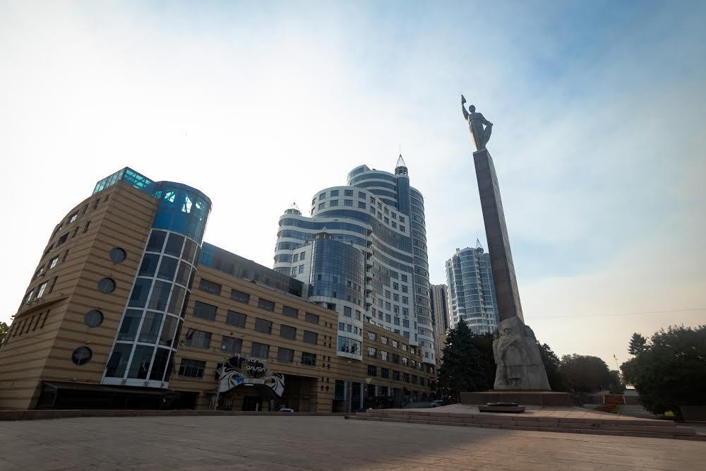 Памятник Славы и ЖК Славия Нагорный