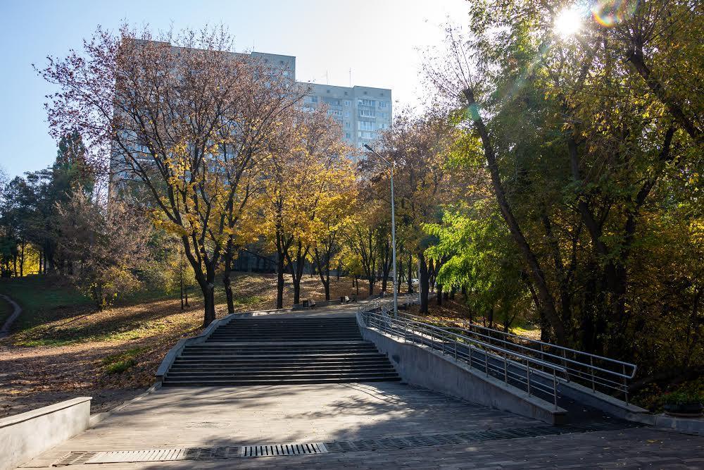 Парк Зеленый гай на Титова в Днепре