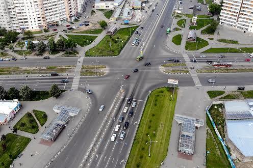 Перекрёсток проспекта  Победы и Людвига свободы в Харькове