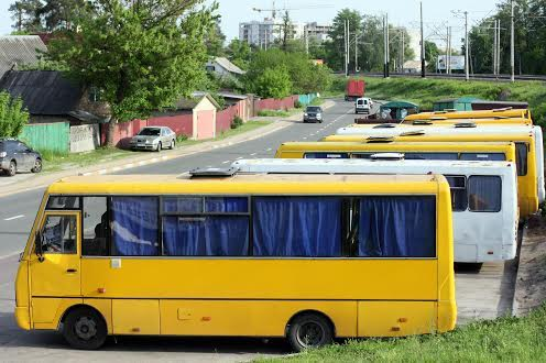 Зупинка громадського транспорту в Ірпіні