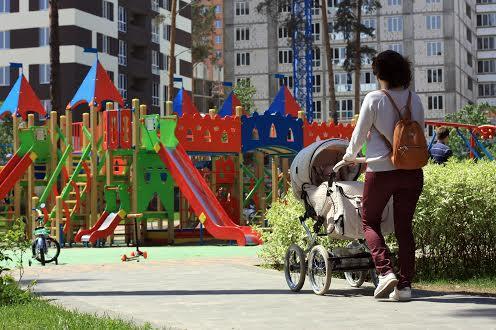 Дитячий майданчик в  Ірпіні