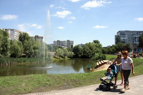 Озеро у Вишневому